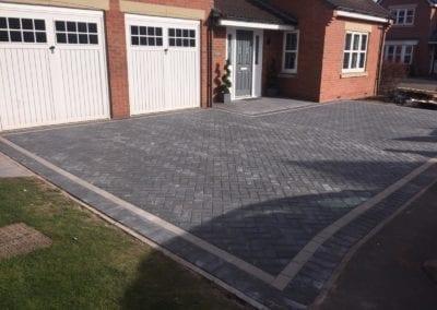 oakleigh-charcoal-block-paving